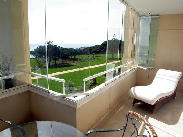 balkonverglasung terrassen seitenelemente fenster roll den t ren zargen. Black Bedroom Furniture Sets. Home Design Ideas